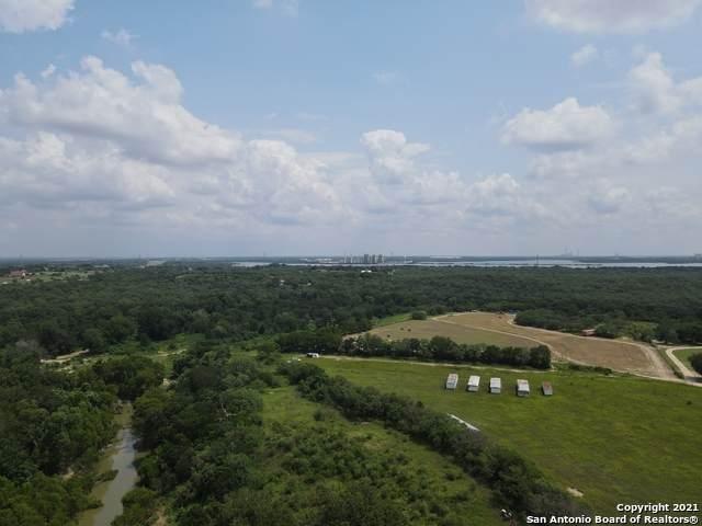 5353 Labus Rd, Elmendorf, TX 78112 (MLS #1548931) :: 2Halls Property Team | Berkshire Hathaway HomeServices PenFed Realty