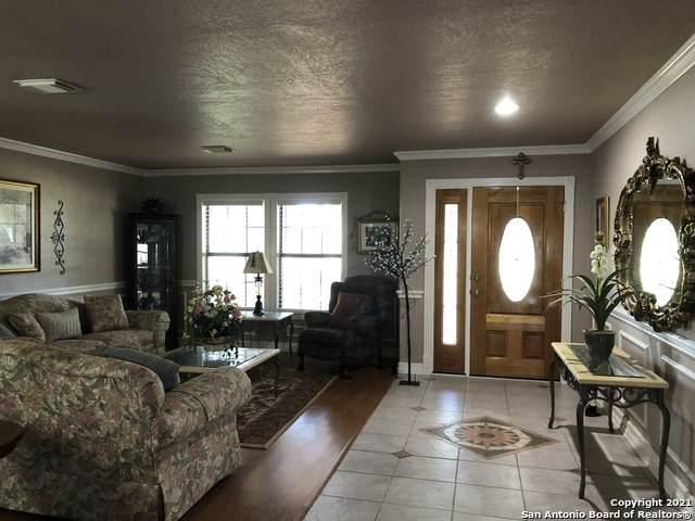 1015 Vaughn Rd, Pearsall, TX 78061 (MLS #1548933) :: Vivid Realty