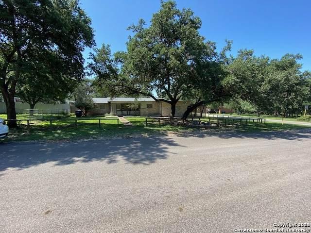 2102 Town Oak Dr, San Antonio, TX 78232 (MLS #1548938) :: Sheri Bailey Realtor