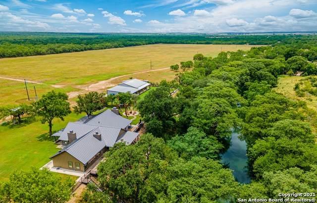 6048 County Road 365, Uvalde, TX 78801 (MLS #1548940) :: The Castillo Group