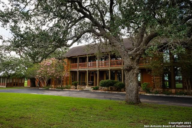 1815 Us-181 S, Floresville, TX 78114 (MLS #1548955) :: ForSaleSanAntonioHomes.com