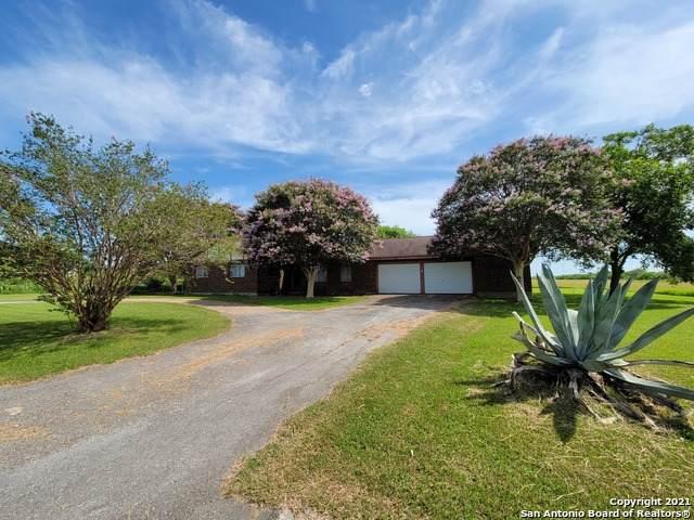 8210 New Sulphur Springs Rd, San Antonio, TX 78263 (MLS #1548980) :: Vivid Realty