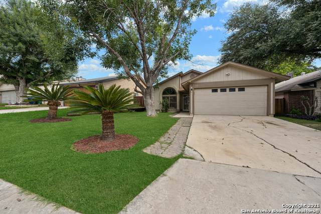 634 Cypressgreen Dr, San Antonio, TX 78245 (#1549055) :: The Perry Henderson Group at Berkshire Hathaway Texas Realty