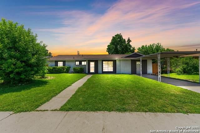7162 Stone Fence Rd, San Antonio, TX 78227 (MLS #1549126) :: Beth Ann Falcon Real Estate
