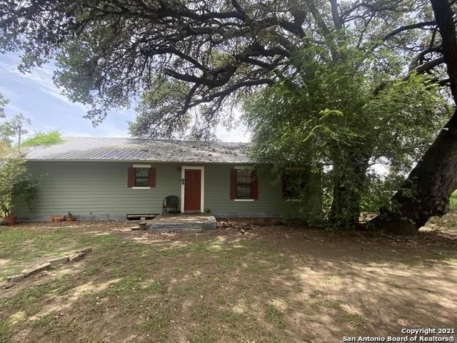 1008 N Main St, Pleasanton, TX 78064 (MLS #1549146) :: Santos and Sandberg