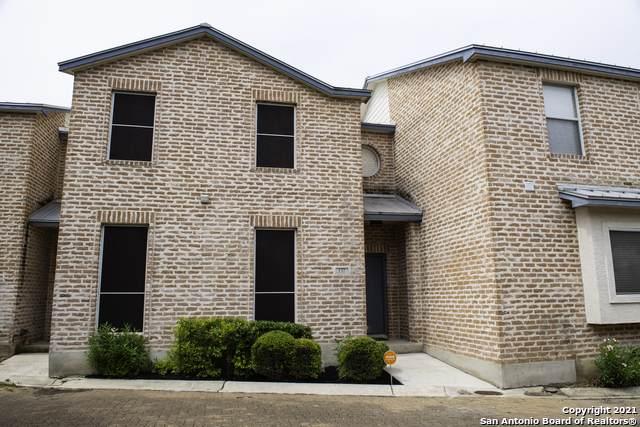 132 Oakwell Farms Pkwy #1, San Antonio, TX 78218 (MLS #1549228) :: Sheri Bailey Realtor