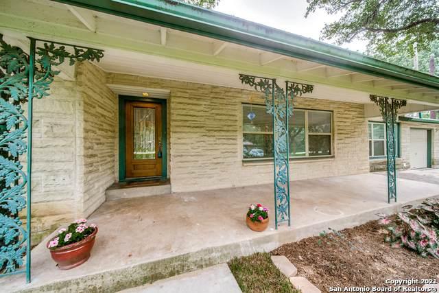108 Moss Dr, Castle Hills, TX 78213 (MLS #1549306) :: Exquisite Properties, LLC