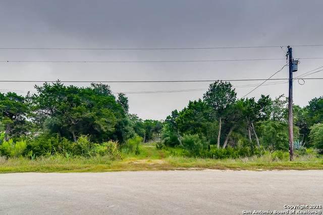 565 Tejas Trail (Lot 5 & 6), Bandera, TX 78003 (MLS #1549315) :: REsource Realty