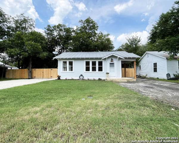 225 S Live Oak Ave, New Braunfels, TX 78130 (MLS #1549357) :: Exquisite Properties, LLC