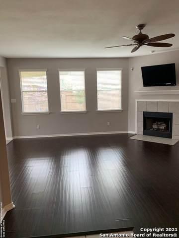 2126 Carlisle Castle Dr, New Braunfels, TX 78130 (MLS #1549379) :: Carolina Garcia Real Estate Group