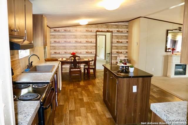 795 Derrick Dr, Spring Branch, TX 78070 (MLS #1549386) :: Beth Ann Falcon Real Estate