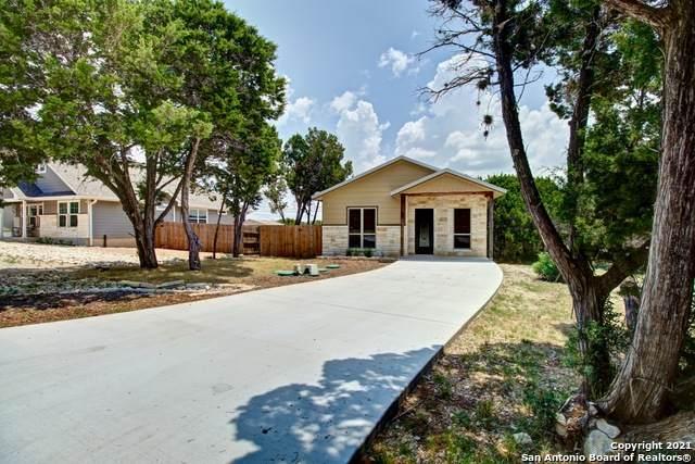 1054 Diamondhead Dr, Canyon Lake, TX 78133 (MLS #1549388) :: Carter Fine Homes - Keller Williams Heritage