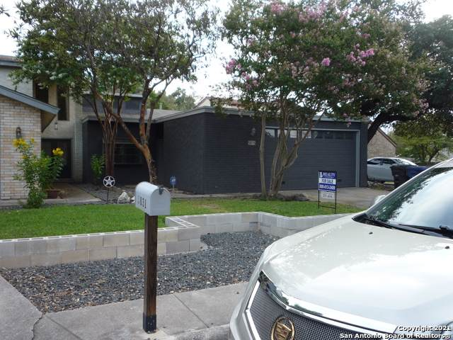 5835 Rue Burgundy, San Antonio, TX 78240 (MLS #1549410) :: Santos and Sandberg