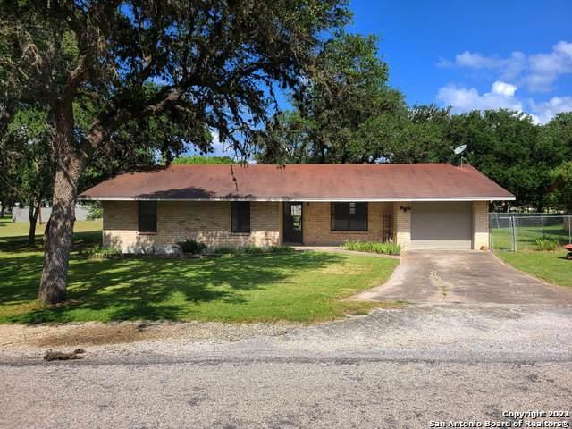 717 Greenlawn, Blanco, TX 78606 (MLS #1549433) :: Concierge Realty of SA