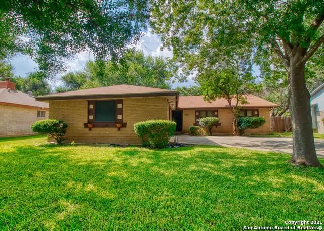 6819 Heatherbrook, San Antonio, TX 78238 (MLS #1549455) :: Santos and Sandberg