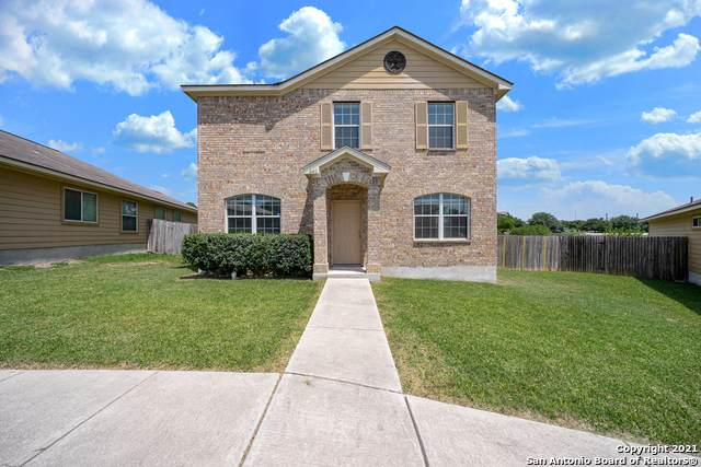 640 Meadow Arbor Ln, Universal City, TX 78148 (#1549461) :: The Perry Henderson Group at Berkshire Hathaway Texas Realty