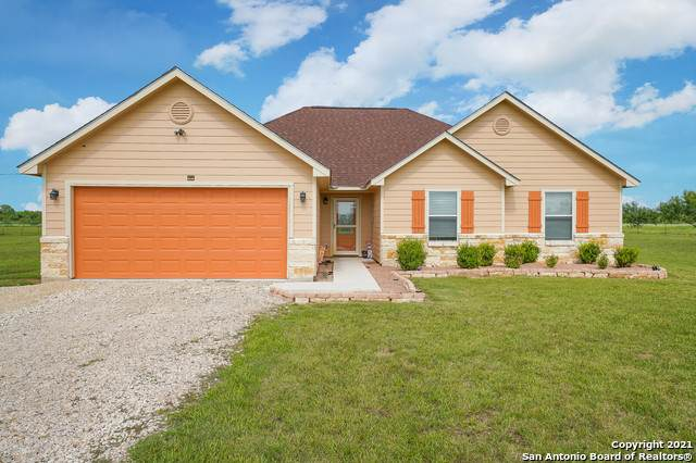 532 Granberg Rd, Lytle, TX 78052 (MLS #1549491) :: The Gradiz Group