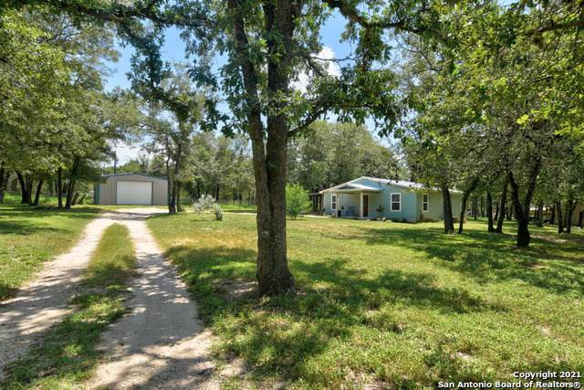 177 Oak View Dr, La Vernia, TX 78121 (MLS #1549505) :: Exquisite Properties, LLC