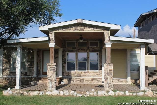 25840 Mathis, Elmendorf, TX 78112 (MLS #1549517) :: Alexis Weigand Real Estate Group