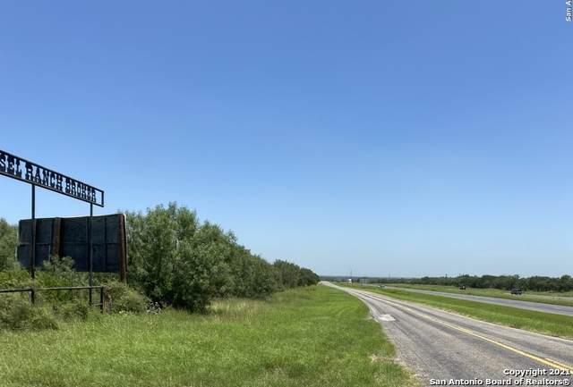 TBD LOT 2 N Ih 35 Frontage, Moore, TX 78057 (MLS #1549731) :: Vivid Realty