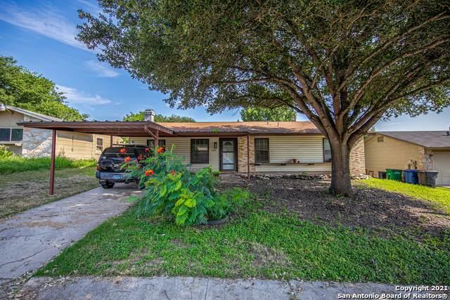 6247 Lark Valley Dr, San Antonio, TX 78242 (MLS #1549841) :: Carter Fine Homes - Keller Williams Heritage