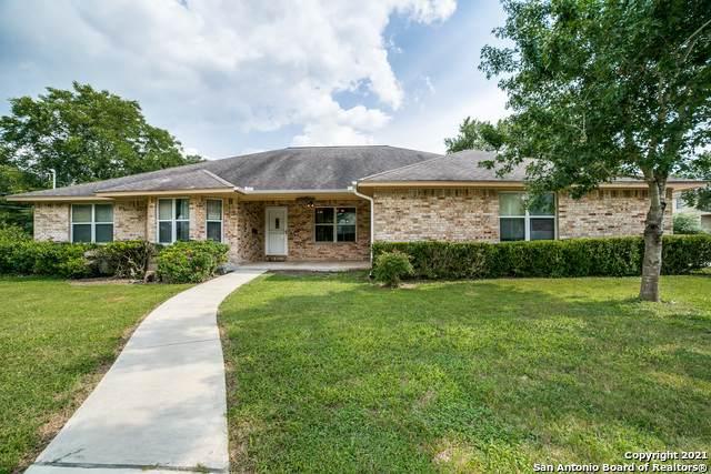 331 W Nolte St, Seguin, TX 78155 (MLS #1549871) :: Beth Ann Falcon Real Estate