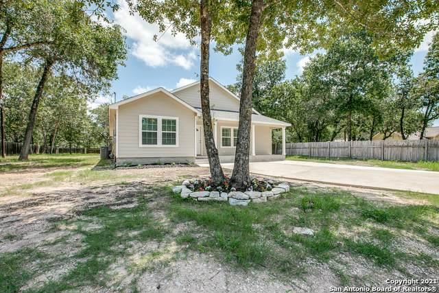 3931 Waterbrook Dr, Elmendorf, TX 78112 (MLS #1549898) :: Exquisite Properties, LLC