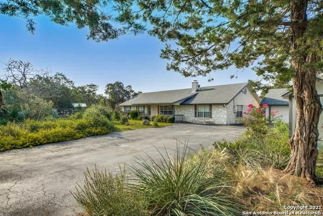 1306 Sparkman Dr, Boerne, TX 78006 (MLS #1549901) :: Carolina Garcia Real Estate Group