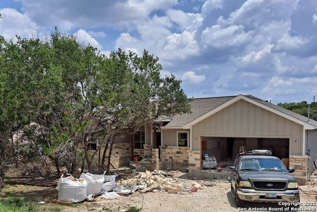 1445 Iron Wood Rd, Fischer, TX 78623 (MLS #1549912) :: The Gradiz Group