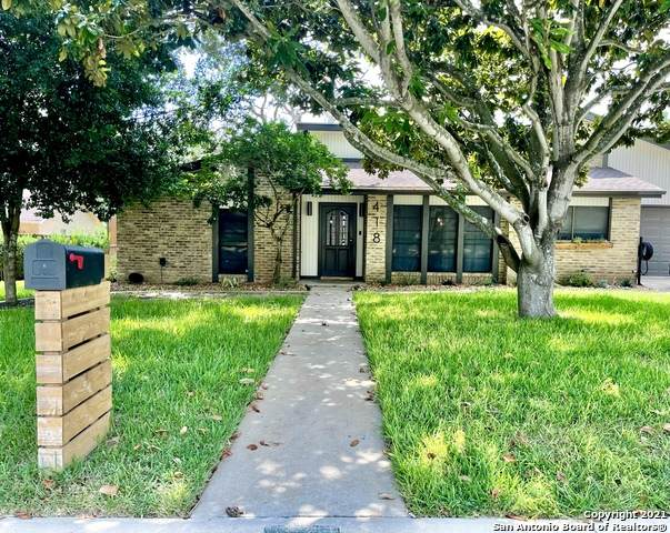 418 Chaparral, Pleasanton, TX 78064 (MLS #1550030) :: The Gradiz Group