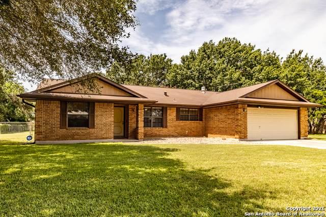 135 Ann St, New Braunfels, TX 78130 (MLS #1550093) :: The Rise Property Group