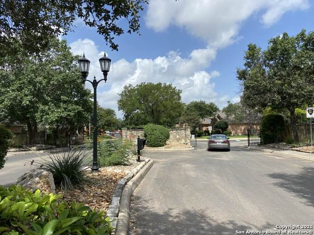 5123 Newcastle Ln, San Antonio, TX 78249 (MLS #1550148) :: Carolina Garcia Real Estate Group