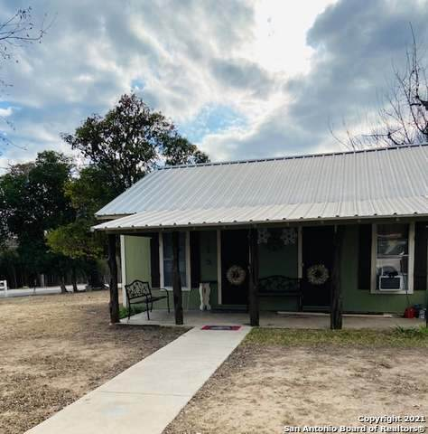 303 9th Street, Bandera, TX 78003 (MLS #1550179) :: Exquisite Properties, LLC