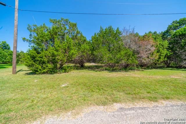 2920 Lakeview Dr, Canyon Lake, TX 78133 (MLS #1550206) :: Concierge Realty of SA