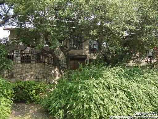 8000 Donore Pl #14, San Antonio, TX 78229 (MLS #1550263) :: Carolina Garcia Real Estate Group