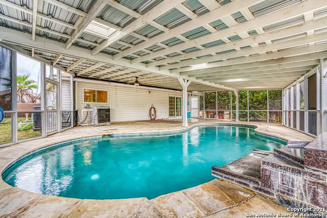 5242 Colton Crk, San Antonio, TX 78251 (MLS #1550315) :: Carolina Garcia Real Estate Group
