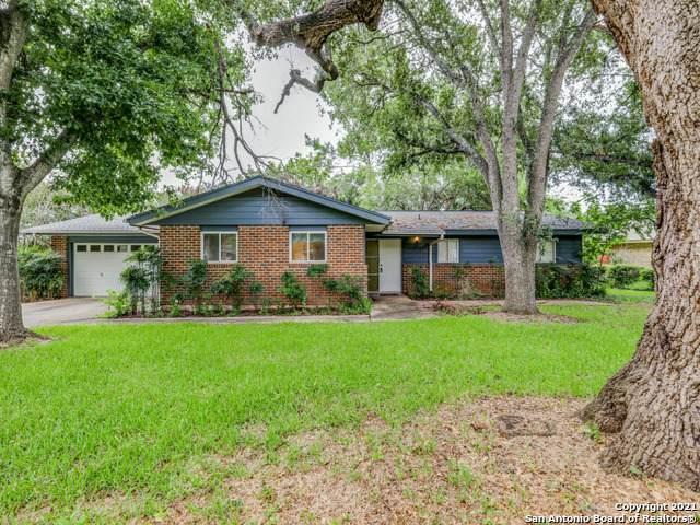 804 F St, Floresville, TX 78114 (MLS #1550510) :: Exquisite Properties, LLC
