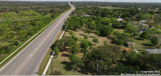 125 Oak Knot Dr, New Braunfels, TX 78132 (MLS #1550519) :: Carter Fine Homes - Keller Williams Heritage