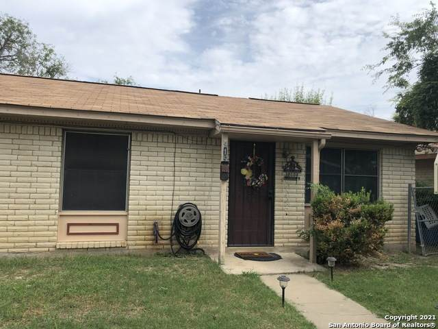 915 E Edwards St, Crystal City, TX 78839 (MLS #1550779) :: The Mullen Group | RE/MAX Access