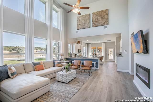 3096 Morlanga St, New Braunfels, TX 78130 (MLS #1550825) :: Beth Ann Falcon Real Estate