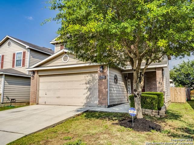 9323 Silver Vista, San Antonio, TX 78254 (MLS #1550886) :: Beth Ann Falcon Real Estate