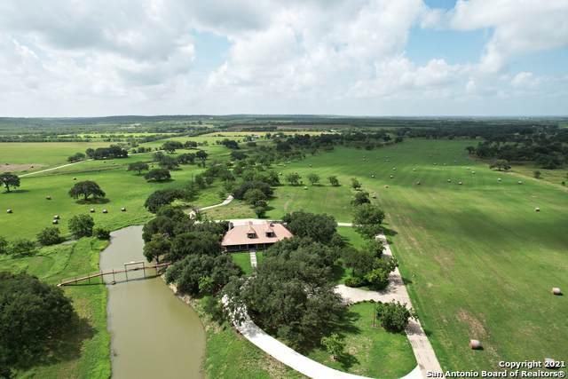 202 County Road 450, Hondo, TX 78861 (MLS #1550985) :: Texas Premier Realty