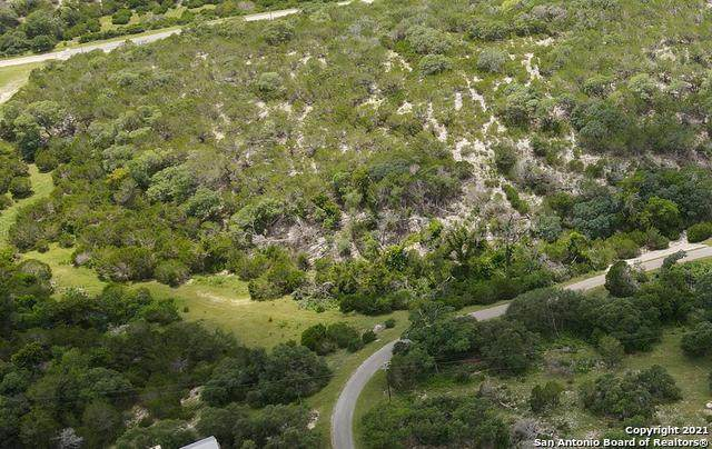 000 Lost Valley, Kerrville, TX 78028 (MLS #1551113) :: The Glover Homes & Land Group