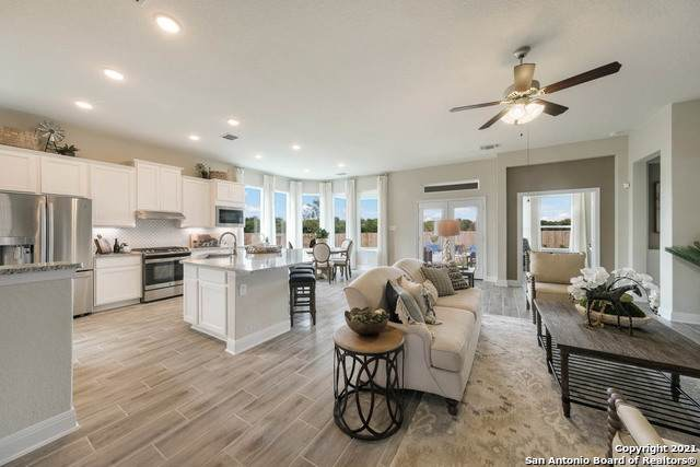 910 Rench, New Braunfels, TX 78130 (MLS #1551496) :: Beth Ann Falcon Real Estate