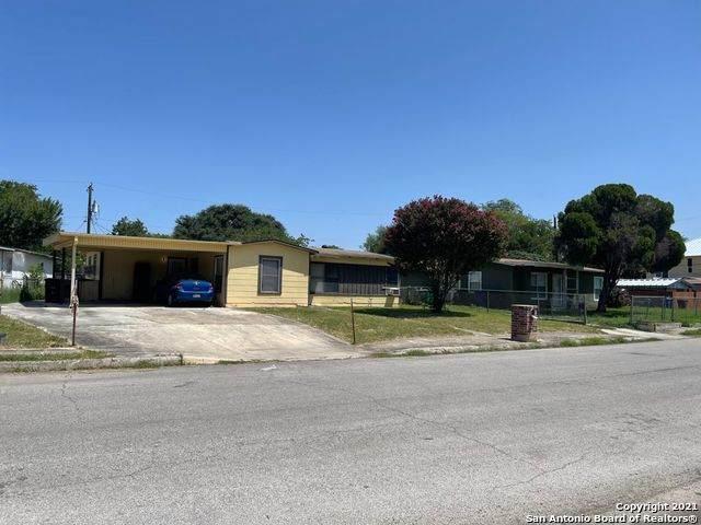 77 Whitman Ave - Photo 1