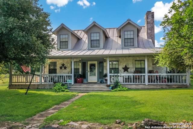 150 Maverick, New Braunfels, TX 78132 (MLS #1551952) :: Beth Ann Falcon Real Estate
