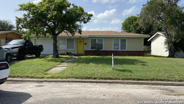 403 Paul Pl, Beeville, TX 78102 (MLS #1552267) :: The Lopez Group