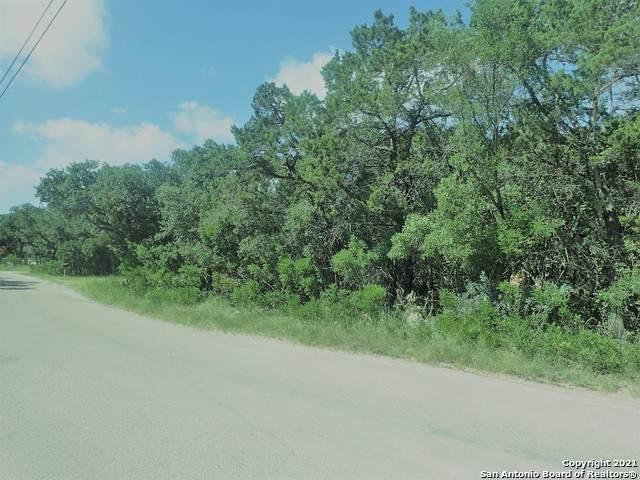 11-13 Mountain, Lakehills, TX 78063 (MLS #1552415) :: Exquisite Properties, LLC