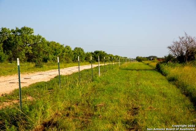 000 County Road 652, Devine, TX 78016 (MLS #1552592) :: EXP Realty