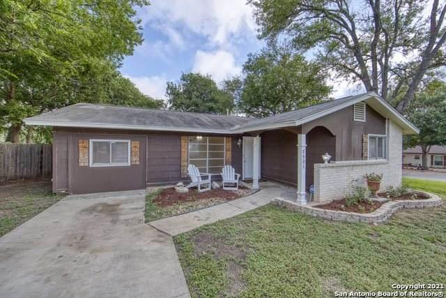 7521 Mountain Oak Trail, Live Oak, TX 78233 (MLS #1552741) :: Real Estate by Design